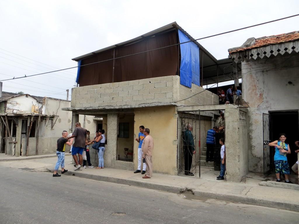 12 - Zaldo - Betondecke mit Dach, wo die Gemeinde sich trifft_KLEIN